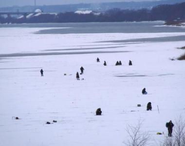 Рыбалка на Оке зимой