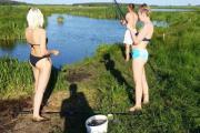 девушки рыбалка лето