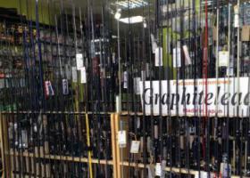 торговый зал рыболовного магазина Рыболов на Птичке