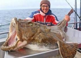 рыбак и хищная рыба