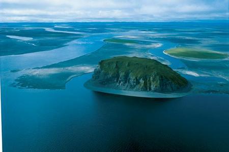 Река Лена. Фотография с сайта lovitut.ru